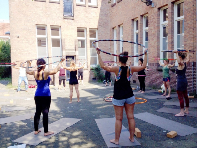 yoga_and_hoopdance2