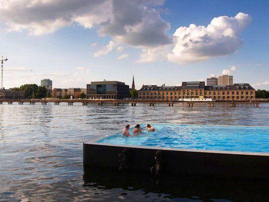 Swimmingpool in water